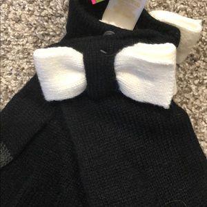 kate spade Accessories - Kate Spade black cream bow tech gloves NWT